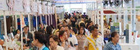 ปิดตลาดวันหยุดสุดสัปดาห์ ผลิตภัณฑ์ผ้าไหมยังขายดีที่ 1